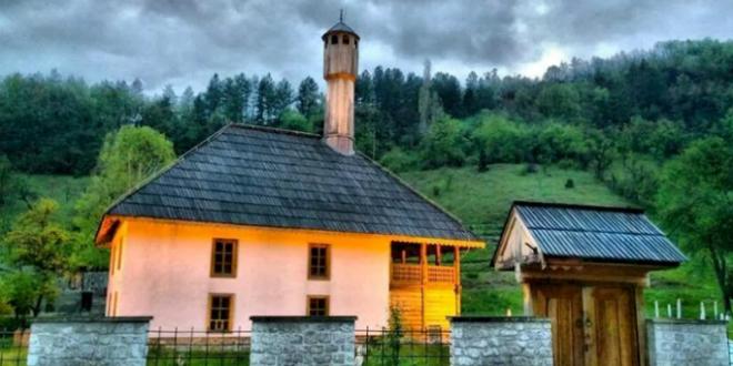 Kraljeva-Sutjeska-dzamija-660x330