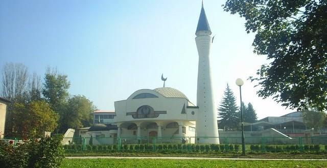 džamija-640x330