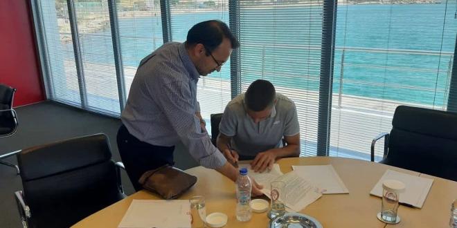 Desni bek Mladosti potpisao za Olympiakos!